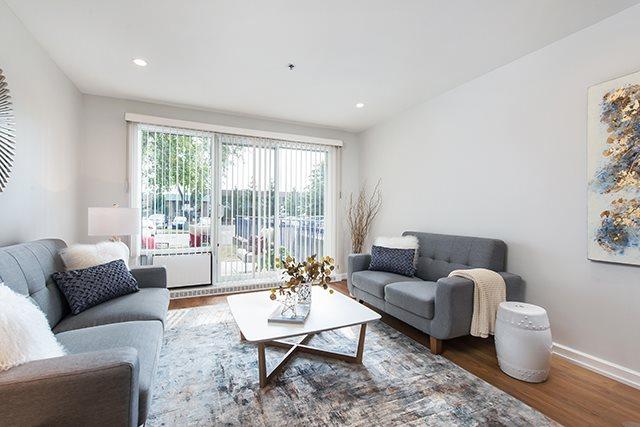 Appartement pour 55+ 1 Chambre a louer à Pointe-Claire a LEsterel - Photo 02 - TrouveUnAppart – L21074