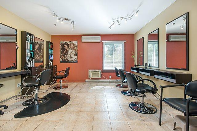 Appartement pour 55+ 1 Chambre a louer à Pointe-Claire a LEsterel - Photo 03 - TrouveUnAppart – L21074