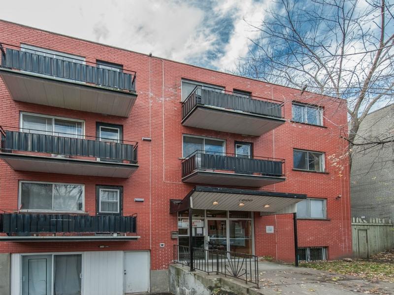 Appartement Studio / Bachelor a louer à Montréal (Centre-Ville) a Alexandre de Seve - Photo 02 - TrouveUnAppart – L168575