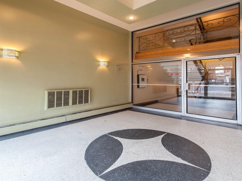 Appartement Studio / Bachelor a louer à Montréal (Centre-Ville) a Alexandre de Seve - Photo 05 - TrouveUnAppart – L168575