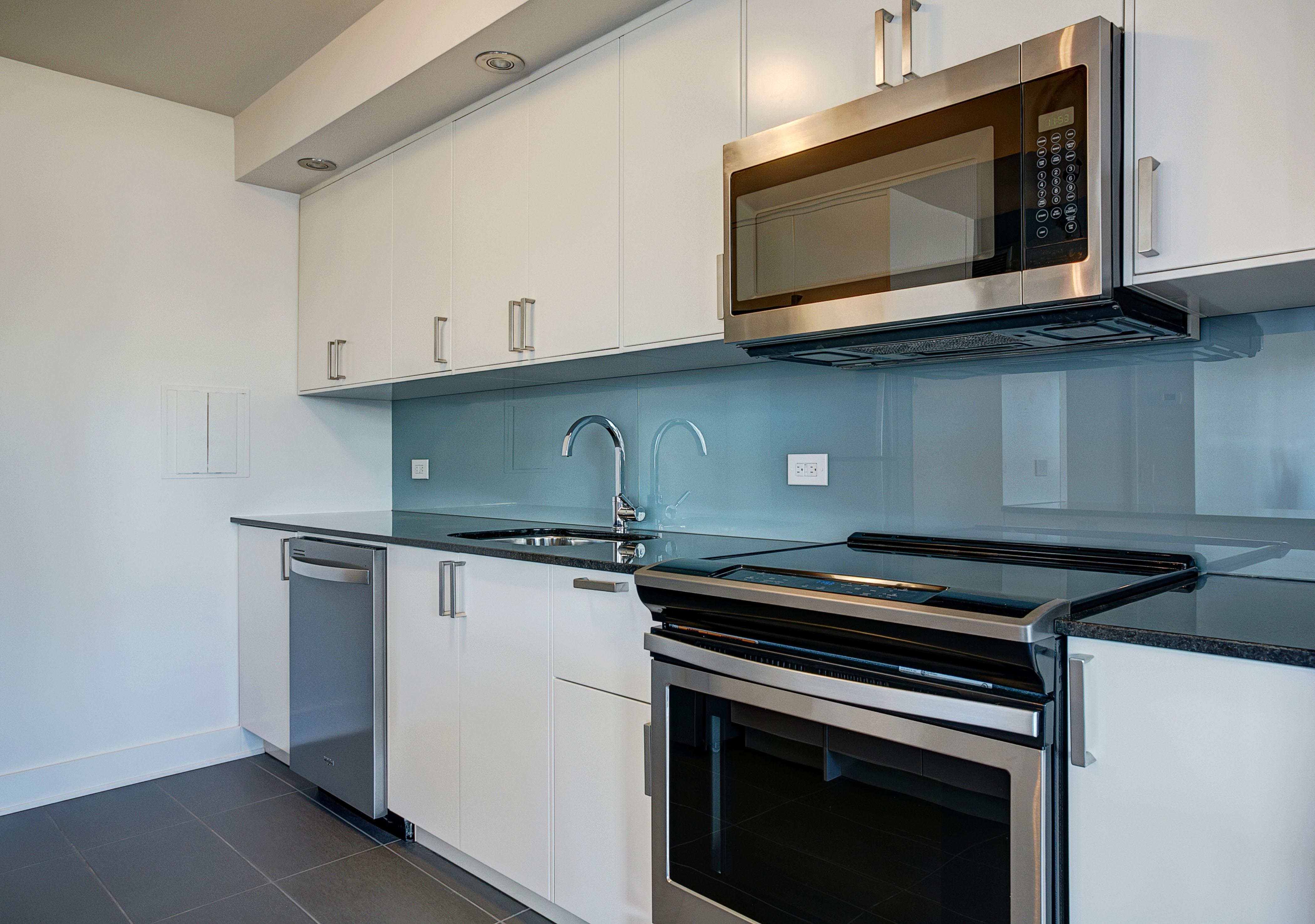 Appartement 2 Chambres de luxe a louer à Montréal (Centre-Ville) a Le Parc - Photo 02 - TrouveUnAppart – L1789