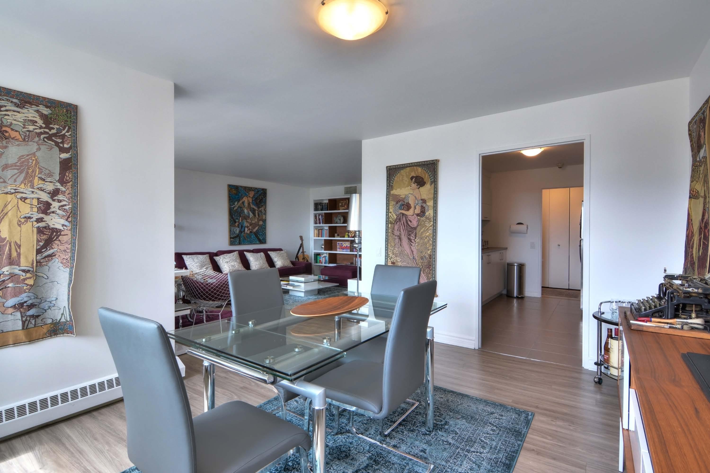 Appartement 2 Chambres de luxe a louer à Montréal (Centre-Ville) a Le Parc - Photo 03 - TrouveUnAppart – L1789
