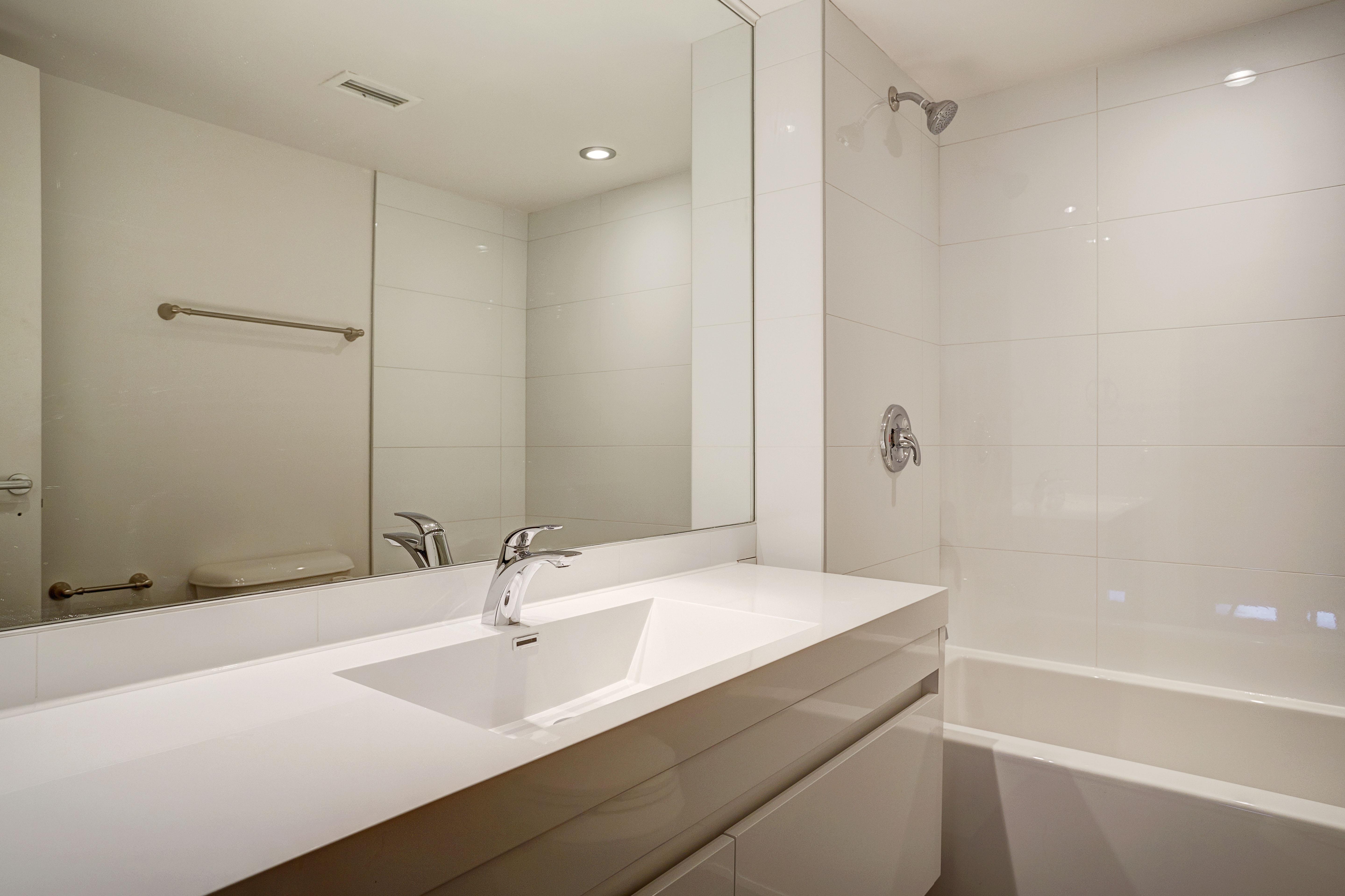 Appartement 2 Chambres de luxe a louer à Montréal (Centre-Ville) a Le Parc - Photo 05 - TrouveUnAppart – L1789