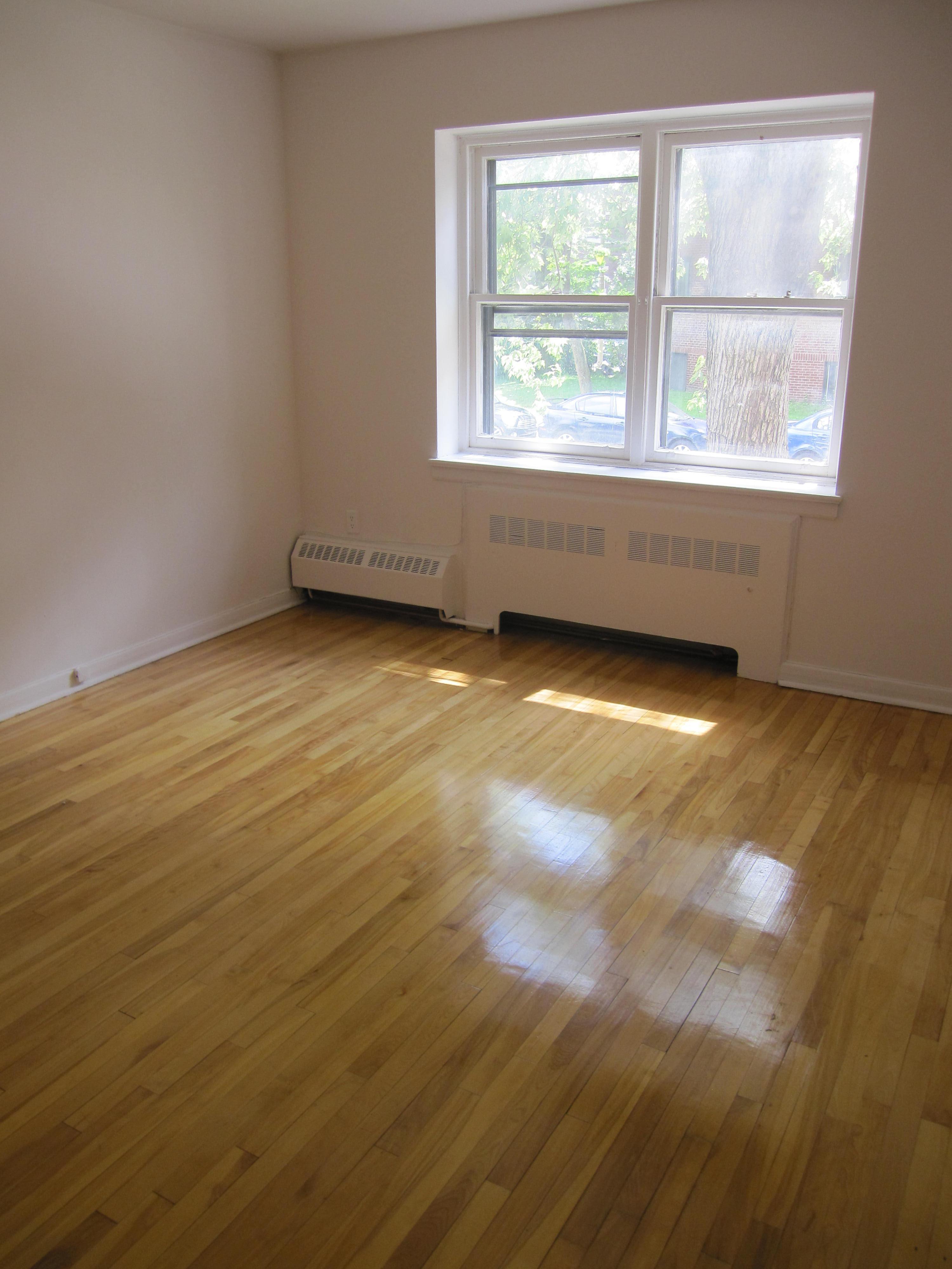 Appartement 2 Chambres a louer à Notre-Dame-de-Grâce a 4635 Clanranald - Photo 02 - TrouveUnAppart – L23639