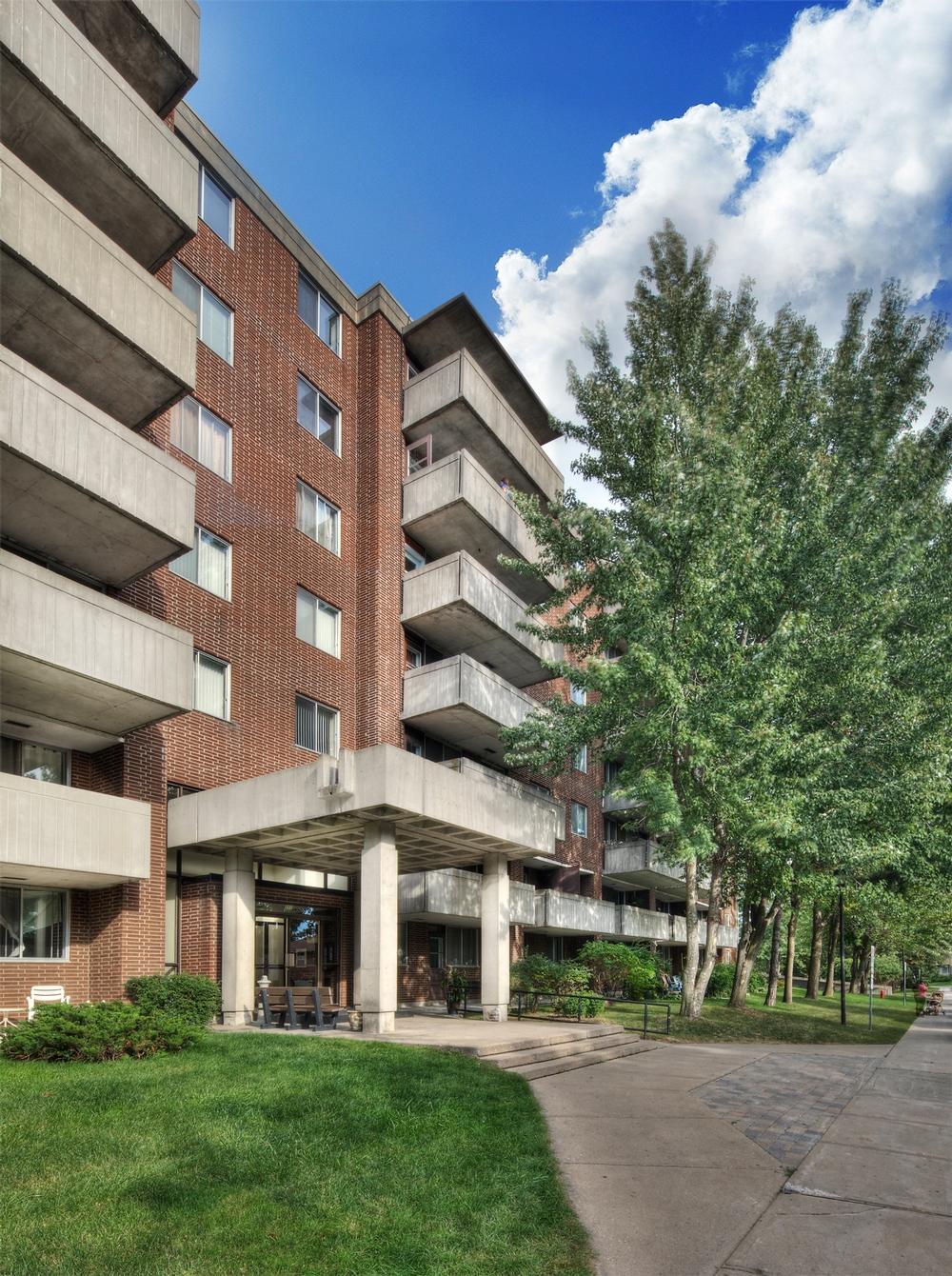 Appartement 2 Chambres a louer à Kirkland a Promenade Canvin - Photo 03 - TrouveUnAppart – L9541