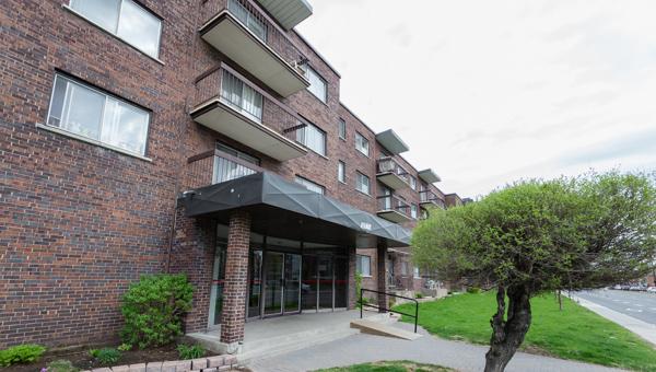 Appartement 2 Chambres a louer à Ville St-Laurent - Bois-Franc a 2775 Cote Vertu - Photo 02 - TrouveUnAppart – L10048