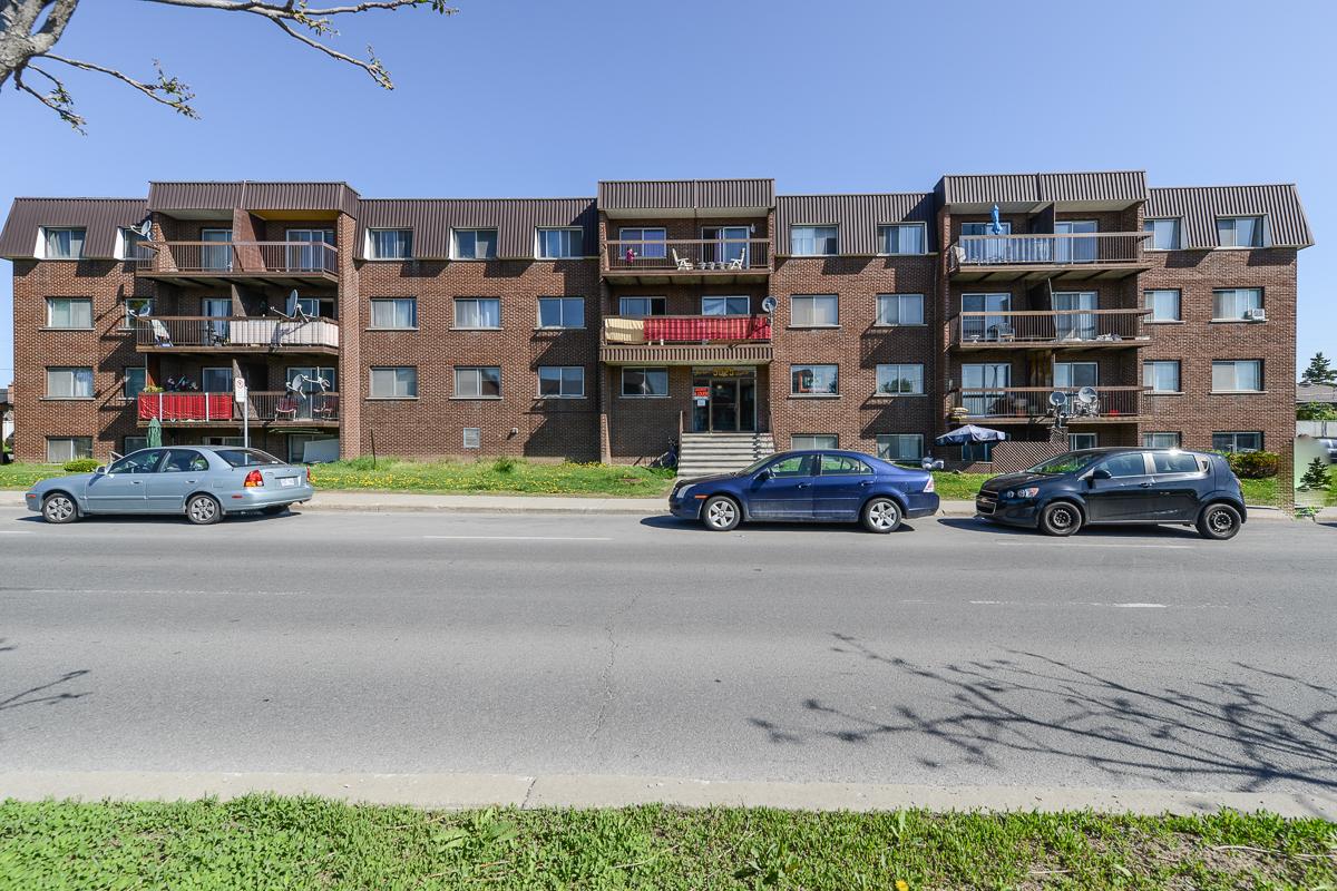 Appartement 3 Chambres a louer à Laval a 5025 Samson - Photo 01 - TrouveUnAppart – L28109
