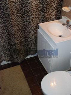 Appartement Junior 1 Chambre a louer à Notre-Dame-de-Grâce a Tour Girouard - Photo 03 - TrouveUnAppart – L2078