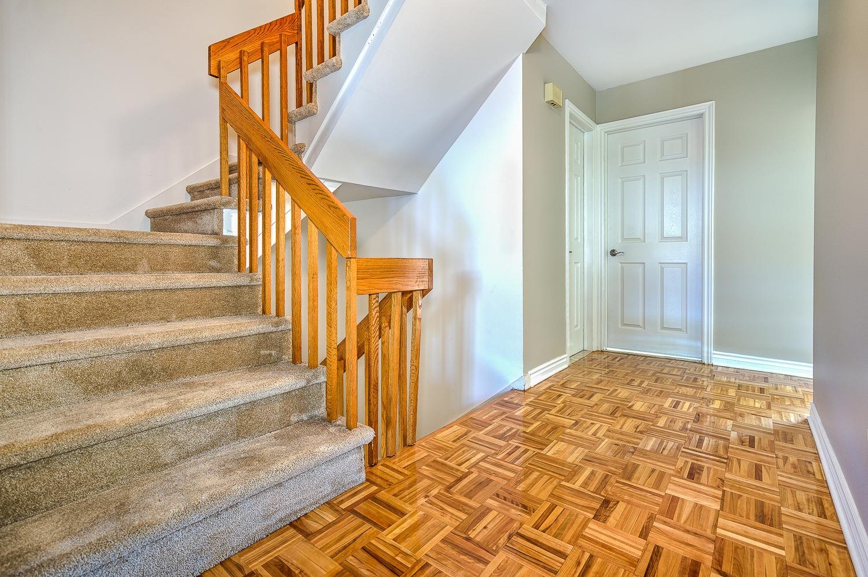 Maison de ville 3 Chambres de luxe a louer à Beaconsfield a Place Ste Marie - Photo 04 - TrouveUnAppart – L6133