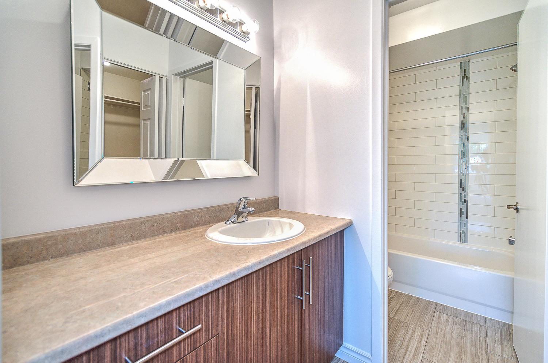 Maison de ville 3 Chambres de luxe a louer à Beaconsfield a Place Ste Marie - Photo 06 - TrouveUnAppart – L6133