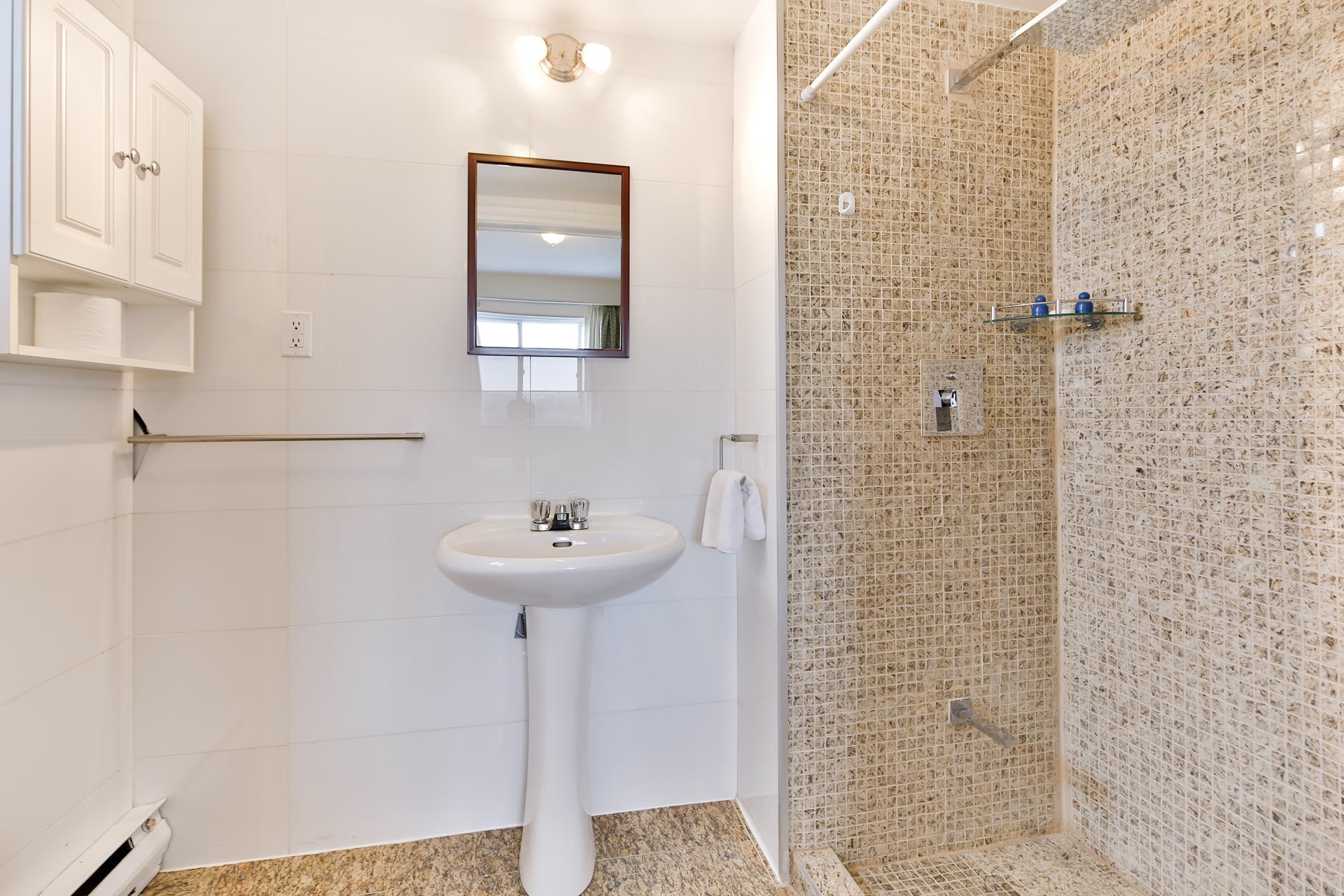 Appartement 1 Chambre meublé a louer à Ville Mont-Royal a Sunset Suites - Photo 06 - TrouveUnAppart – L3723