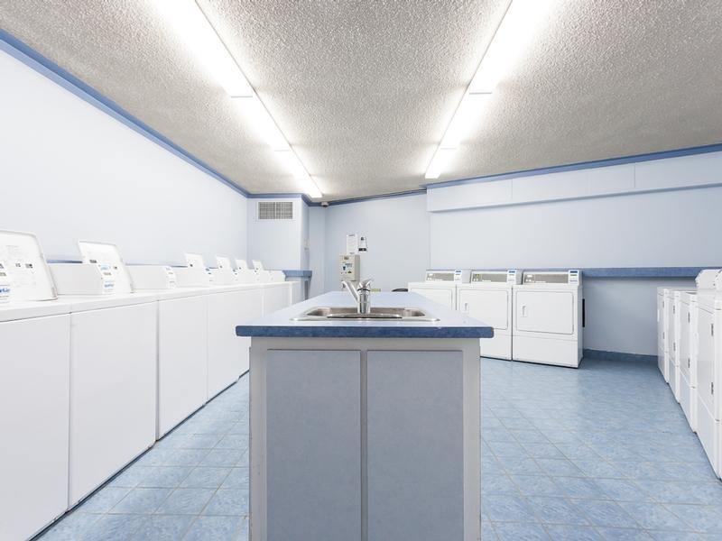 Appartement 3 Chambres a louer à Laval a Habitations Des Chateaux - Photo 02 - TrouveUnAppart – L6069