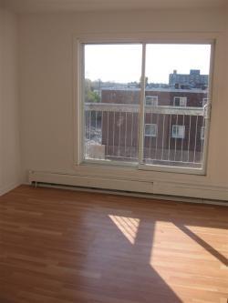 Appartement Studio / Bachelor a louer à Pointe-aux-Trembles a 13900-13910 Sherbrooke Est - Photo 05 - TrouveUnAppart – L1195