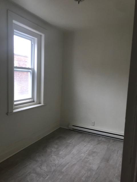 Appartement 3 Chambres a louer à Notre-Dame-de-Grâce a 5621-5627 Sherbrooke Ouest - Photo 06 - TrouveUnAppart – L401599