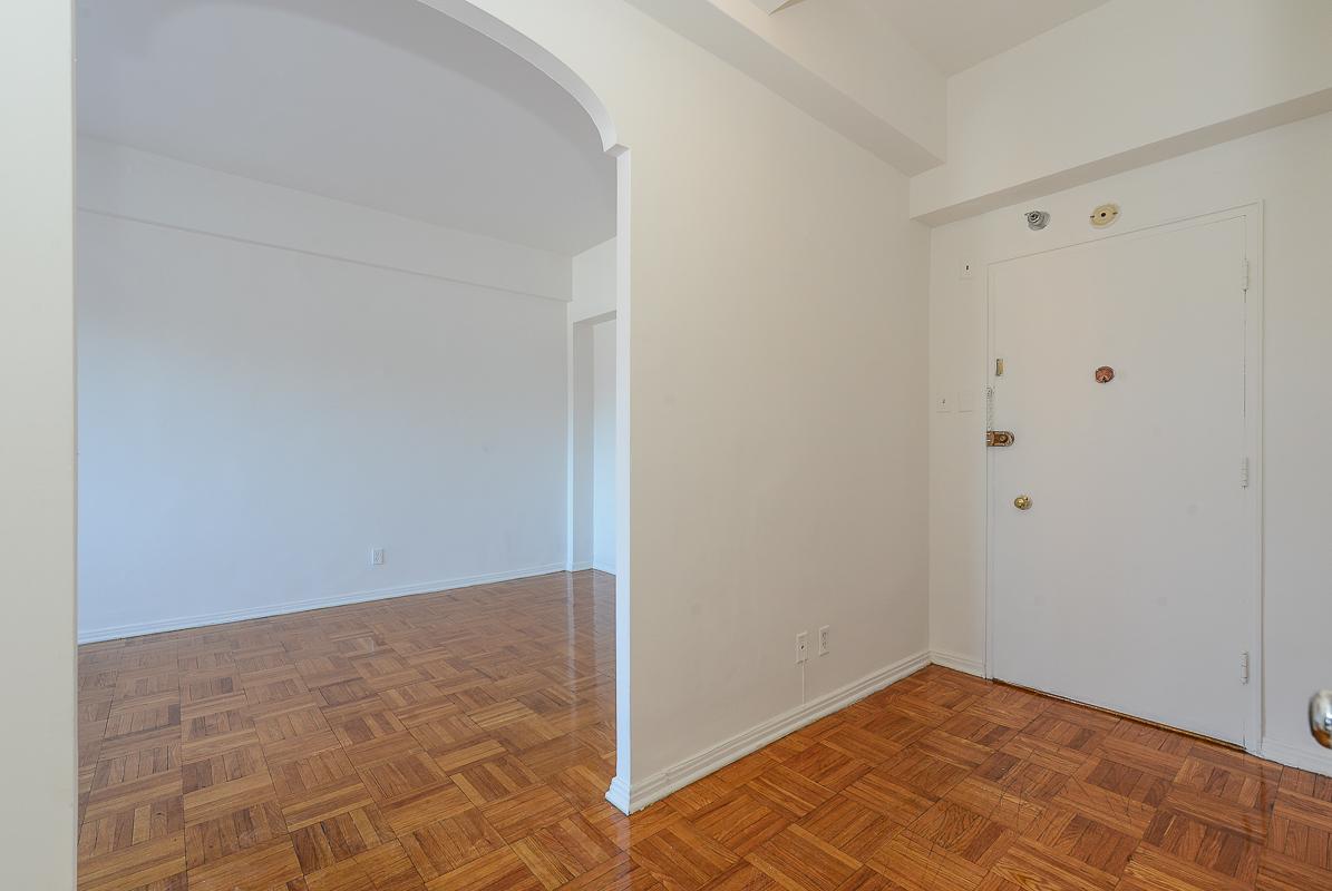 Appartement Studio / Bachelor a louer à Notre-Dame-de-Grâce a Longpre - Photo 05 - TrouveUnAppart – L1035