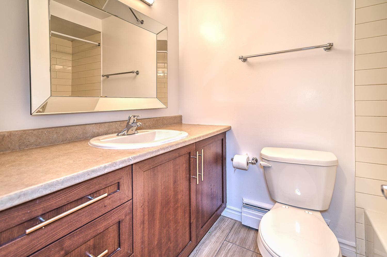 Maison de ville 2 Chambres a louer à Dorval a Lakeshore Villa - Photo 06 - TrouveUnAppart – L9621
