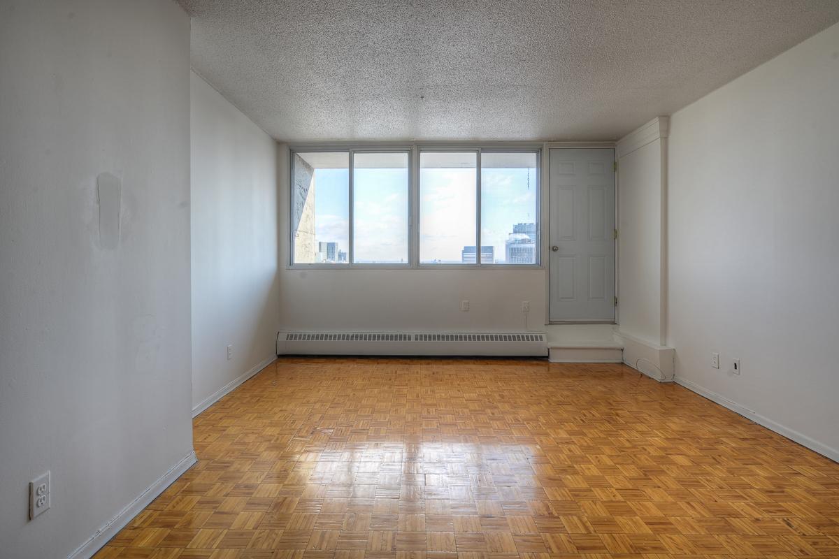 Appartement Studio / Bachelor a louer à Montréal (Centre-Ville) a St Urbain - Photo 02 - TrouveUnAppart – L1057