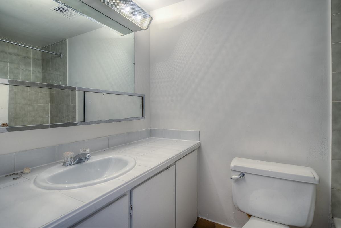 Appartement Studio / Bachelor a louer à Montréal (Centre-Ville) a St Urbain - Photo 09 - TrouveUnAppart – L1057