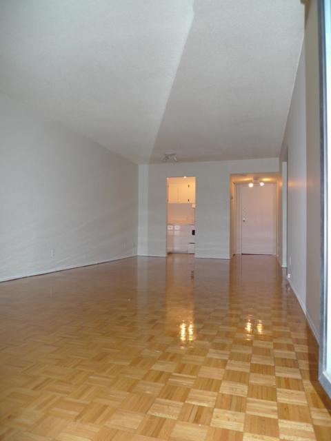 Penthouse 1 Chambre a louer à Montréal (Centre-Ville) a 1819 Maisonneuve Ouest - Photo 05 - TrouveUnAppart – L3751