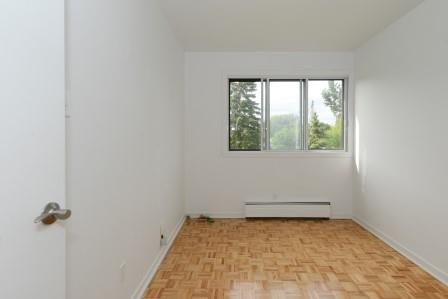 Appartement 3 Chambres a louer à Saint Lambert a Projets Preville 2 - Photo 03 - TrouveUnAppart – L5972