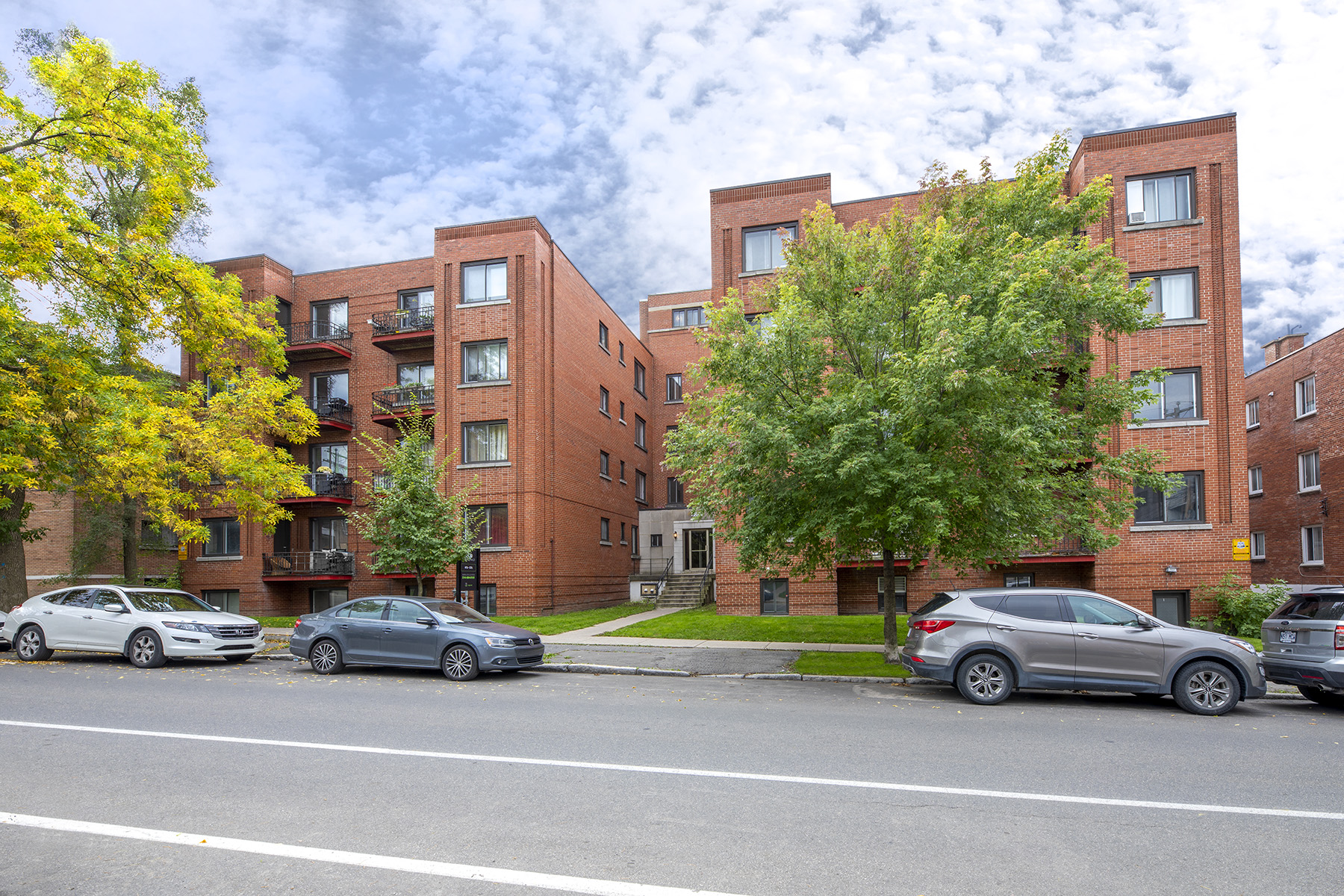 Appartement 3 Chambres a louer à Côte-des-Neiges a 5000 Clanranald - Photo 01 - TrouveUnAppart – L401549