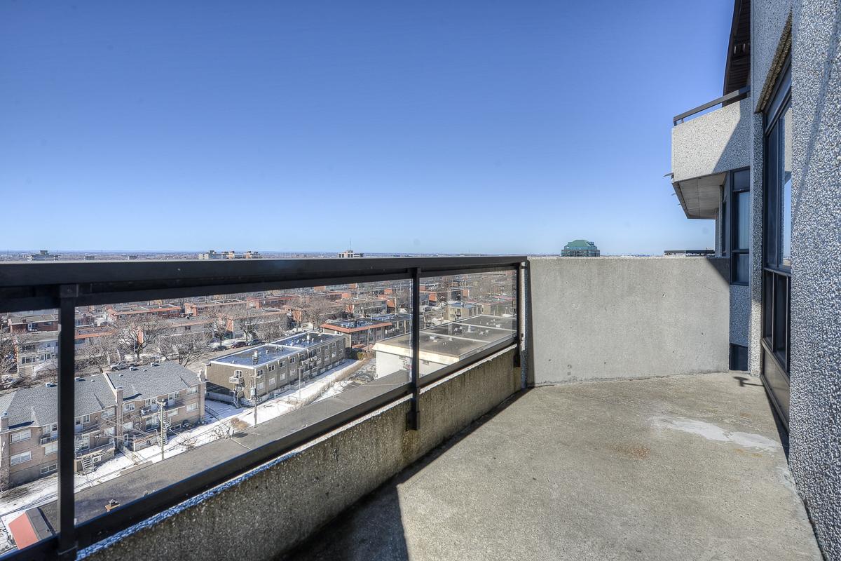 Penthouse 2 Chambres a louer à St. Léonard a Le Baron II Inc. - Photo 02 - TrouveUnAppart – L128087