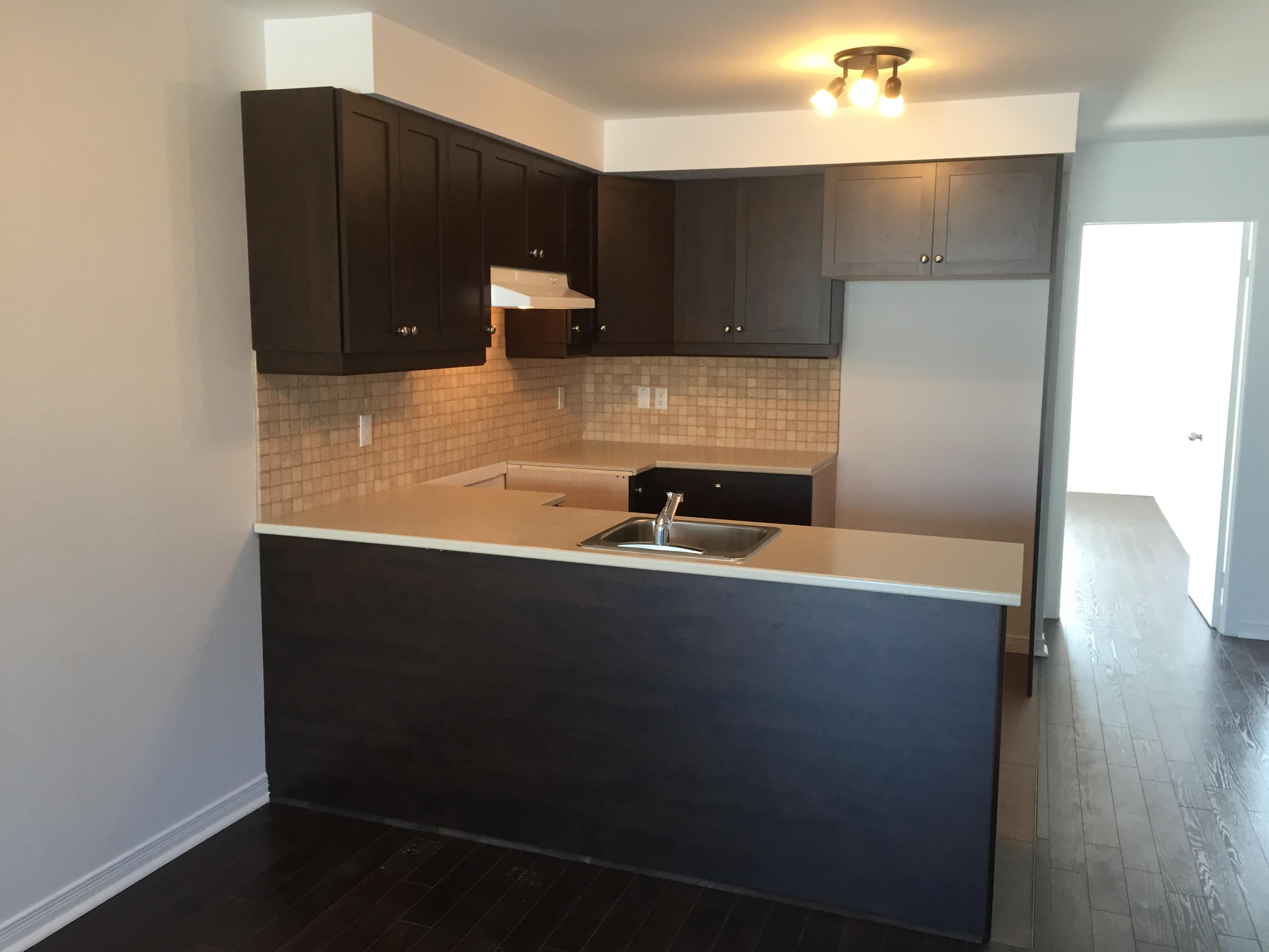 Appartement 2 Chambres a louer à Pierrefonds-Roxboro a 18045-18125 Boulevard Pierrefonds - Photo 04 - TrouveUnAppart – L266033