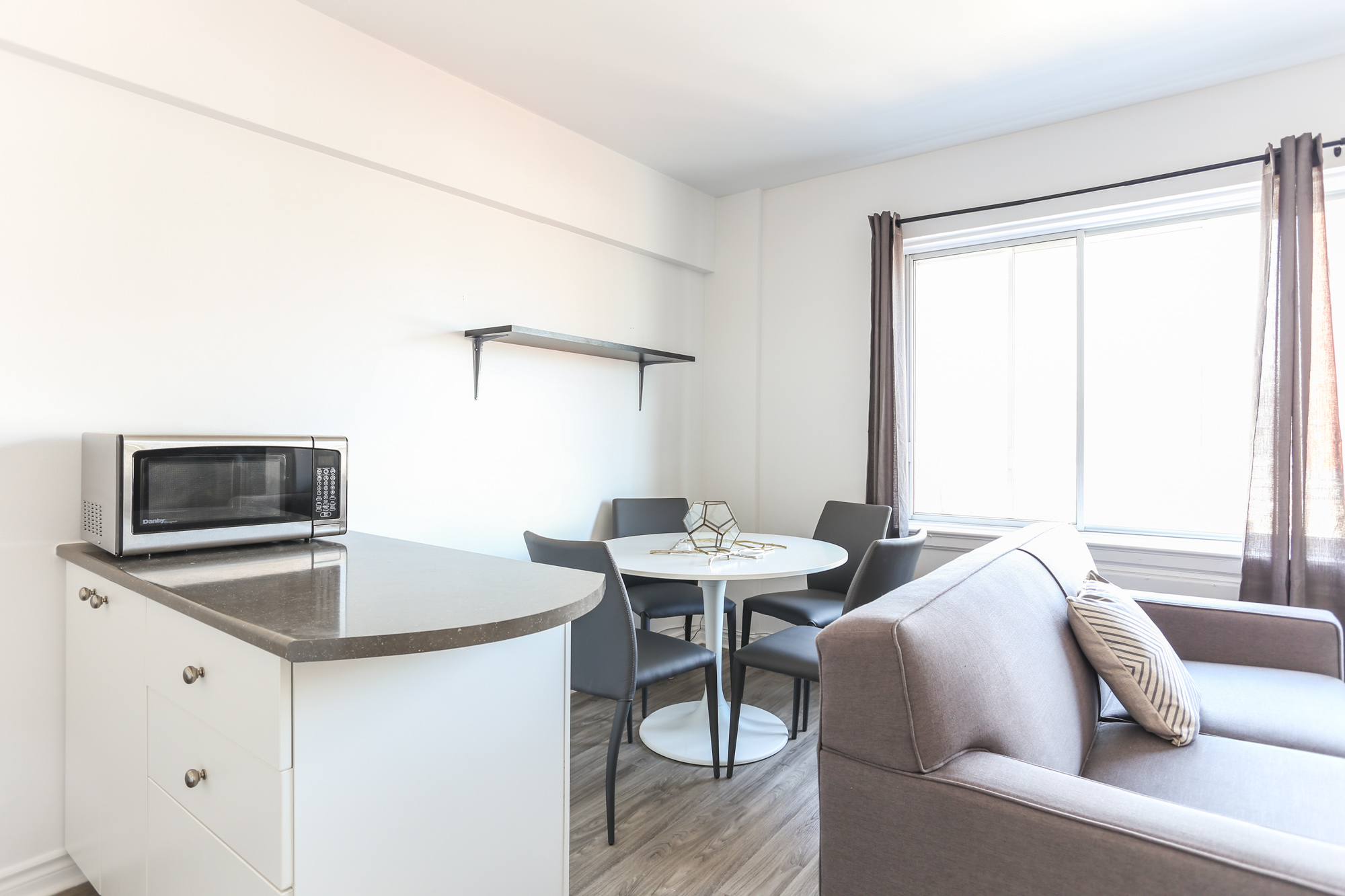 Appartement Studio / Bachelor a louer à Montréal (Centre-Ville) a 1420 St Mathieu - Photo 08 - TrouveUnAppart – L1748