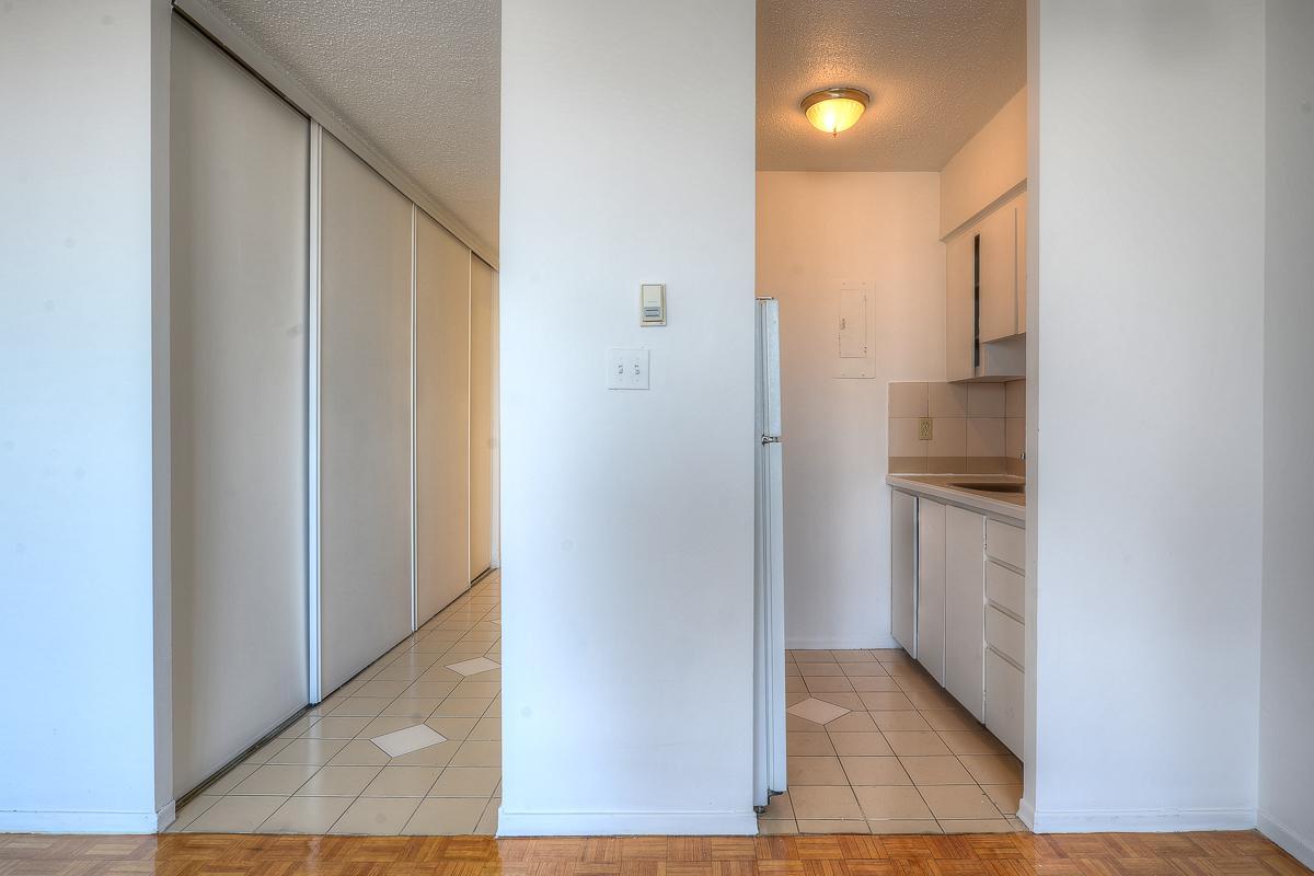 Appartement Studio / Bachelor a louer à Montréal (Centre-Ville) a St Urbain - Photo 05 - TrouveUnAppart – L1058