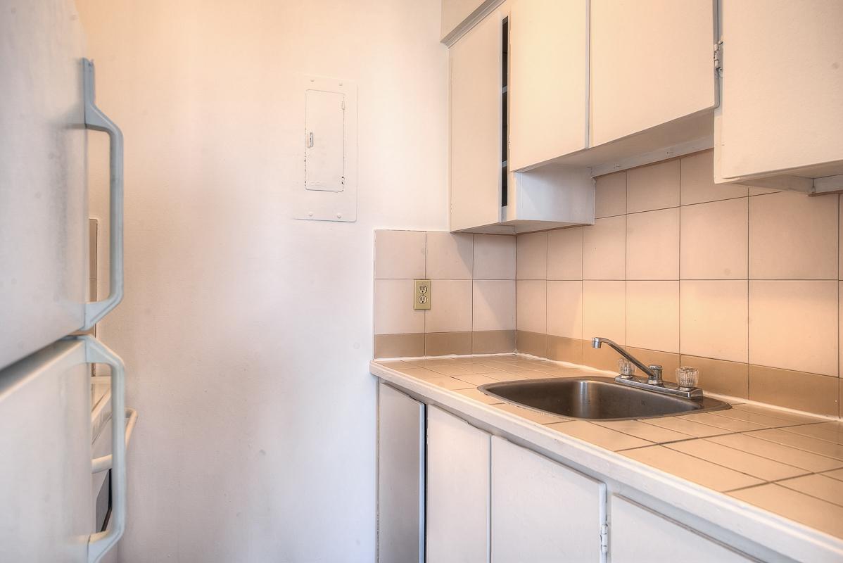 Appartement Studio / Bachelor a louer à Montréal (Centre-Ville) a St Urbain - Photo 06 - TrouveUnAppart – L1058