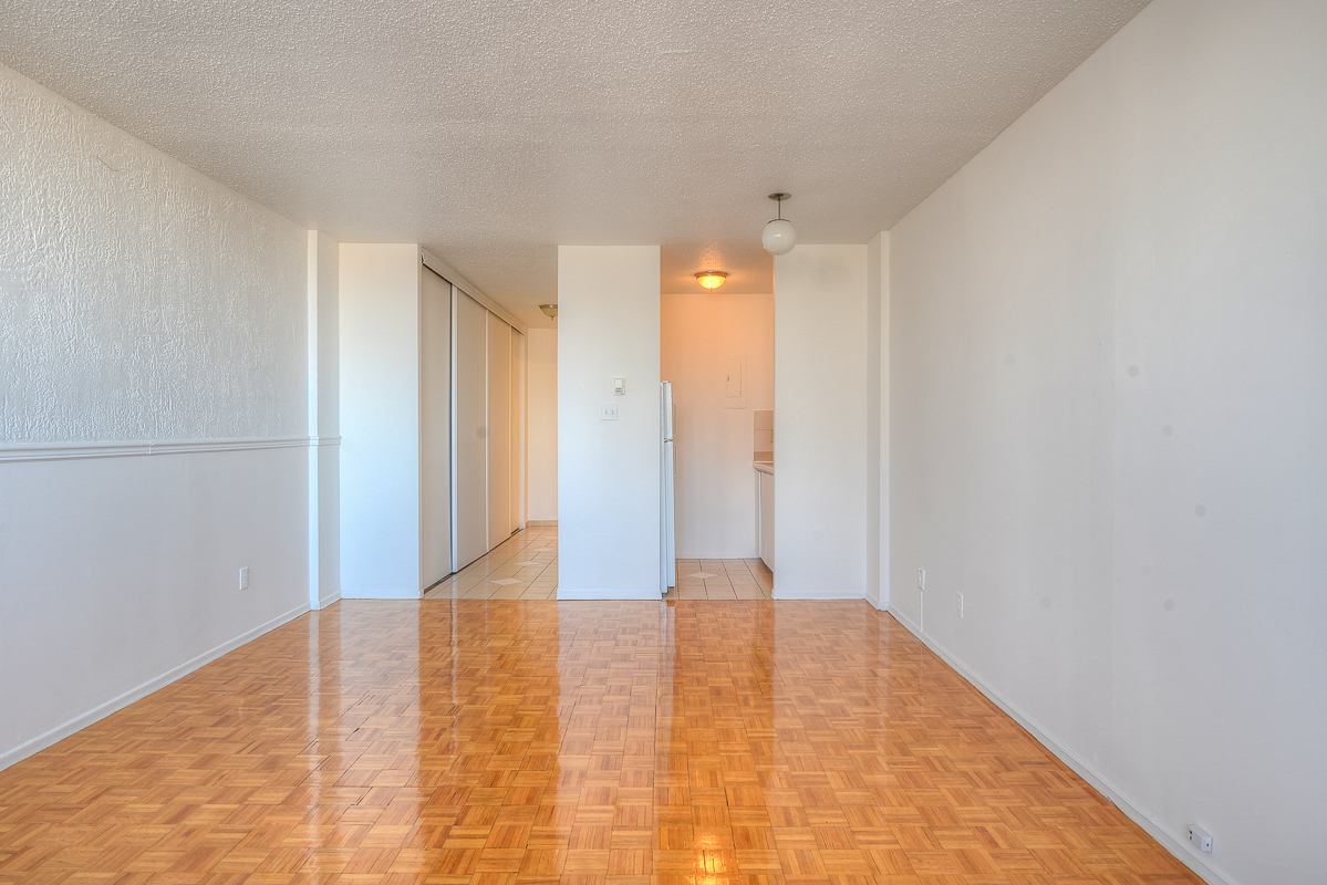 Appartement Studio / Bachelor a louer à Montréal (Centre-Ville) a St Urbain - Photo 07 - TrouveUnAppart – L1058