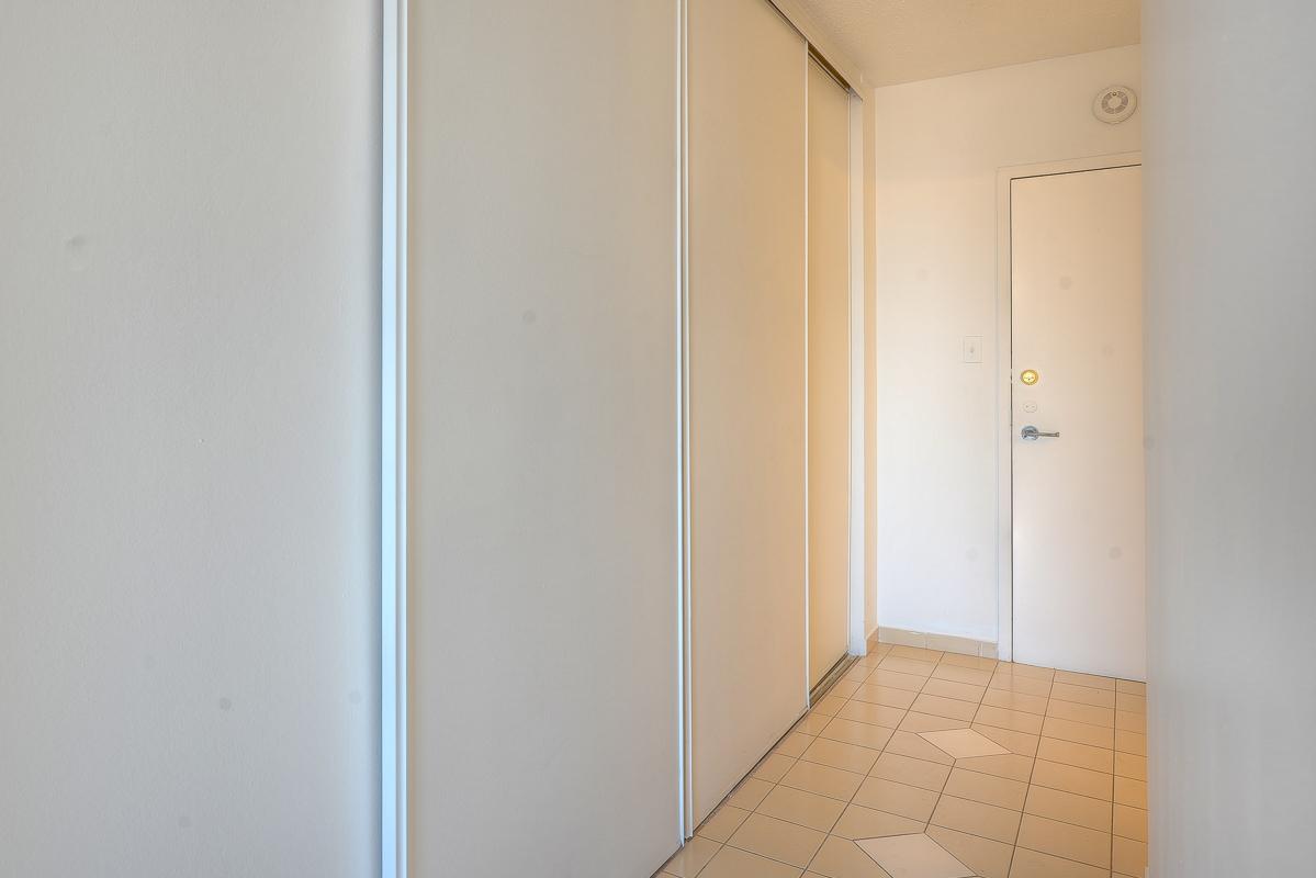 Appartement Studio / Bachelor a louer à Montréal (Centre-Ville) a St Urbain - Photo 10 - TrouveUnAppart – L1058