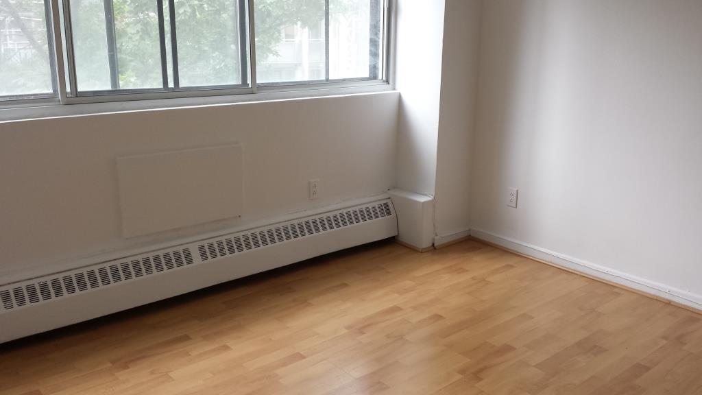 Appartement 2 Chambres a louer à Montréal (Centre-Ville) a Le Durocher - Photo 04 - TrouveUnAppart – L7385