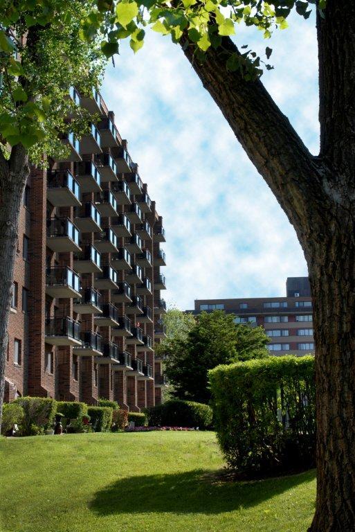 Appartement 2 Chambres a louer à Pointe-Claire a Southwest One - Photo 02 - TrouveUnAppart – L682