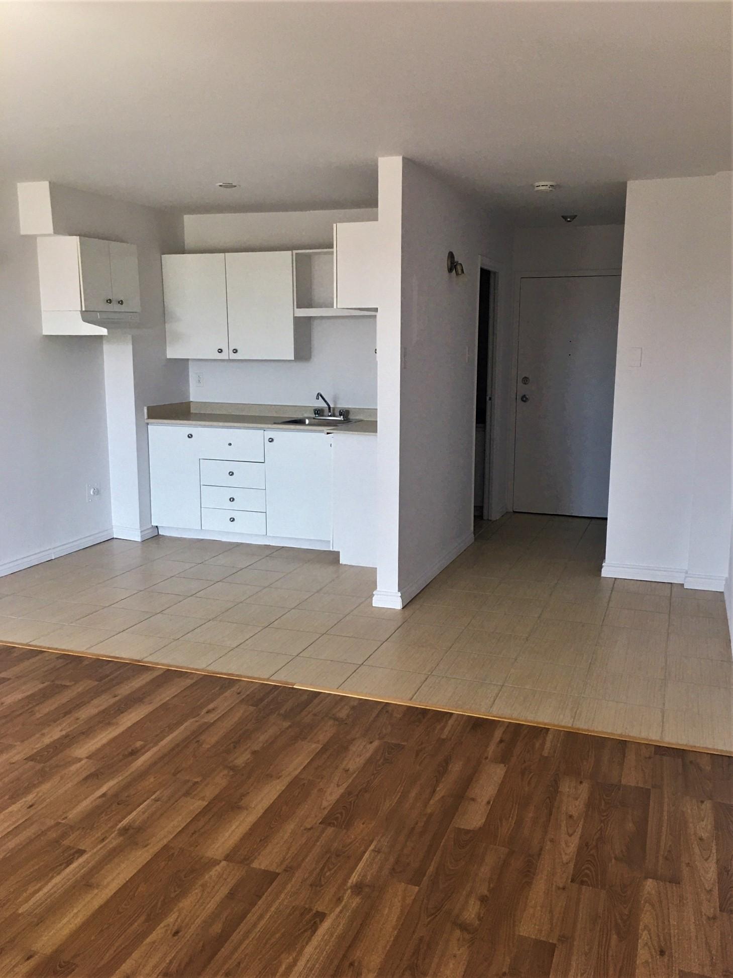 Appartement Studio / Bachelor a louer à Pointe-aux-Trembles a Habitations de la Rousseliere - Photo 03 - TrouveUnAppart – L1920