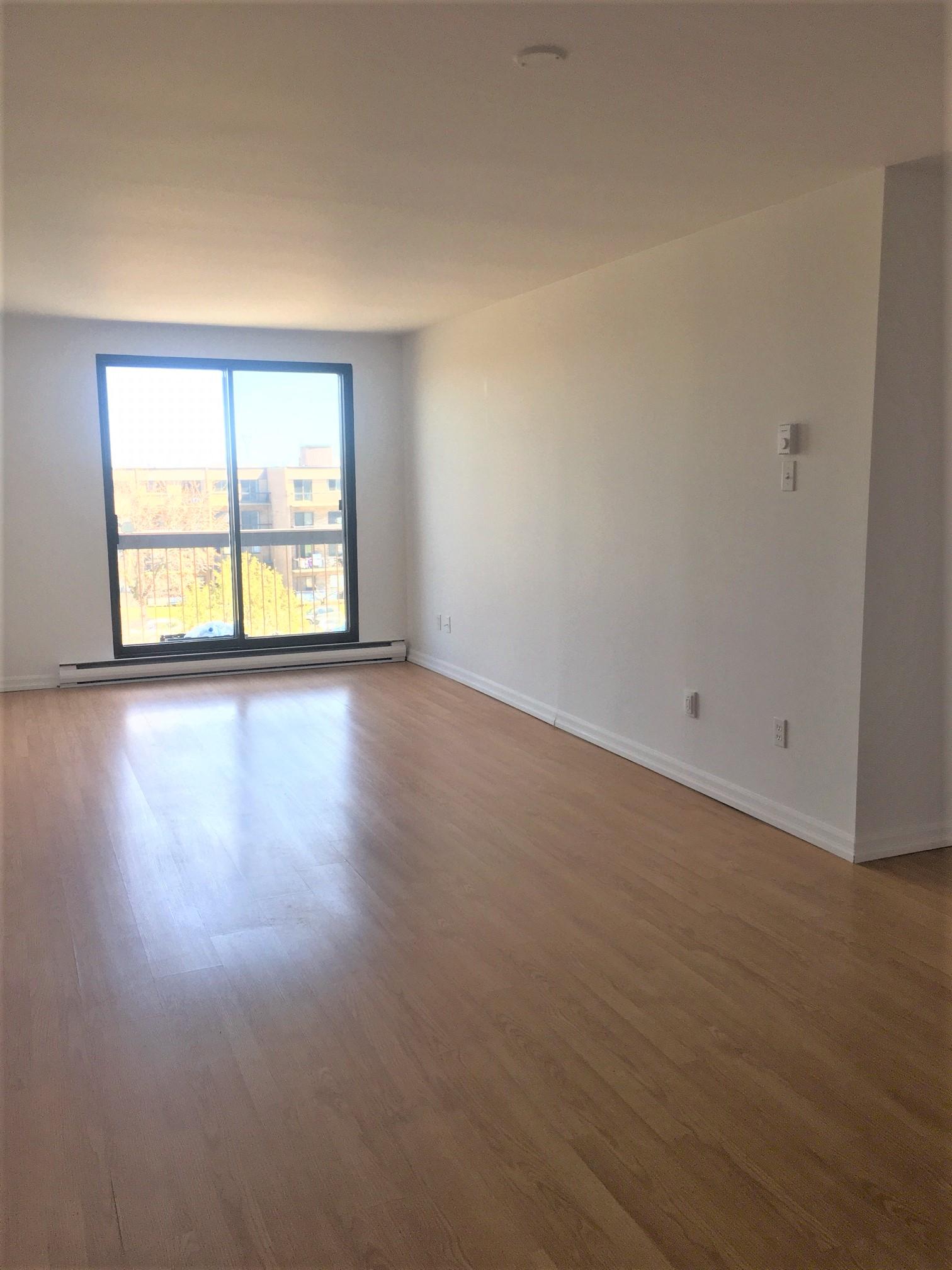 Appartement 2 Chambres a louer à Pointe-aux-Trembles a Habitations de la Rousseliere - Photo 04 - TrouveUnAppart – L1922