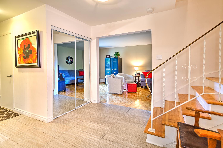 Maison de ville 2 Chambres a louer à Beaconsfield a Beacon Hill Villa - Photo 03 - TrouveUnAppart – L9365