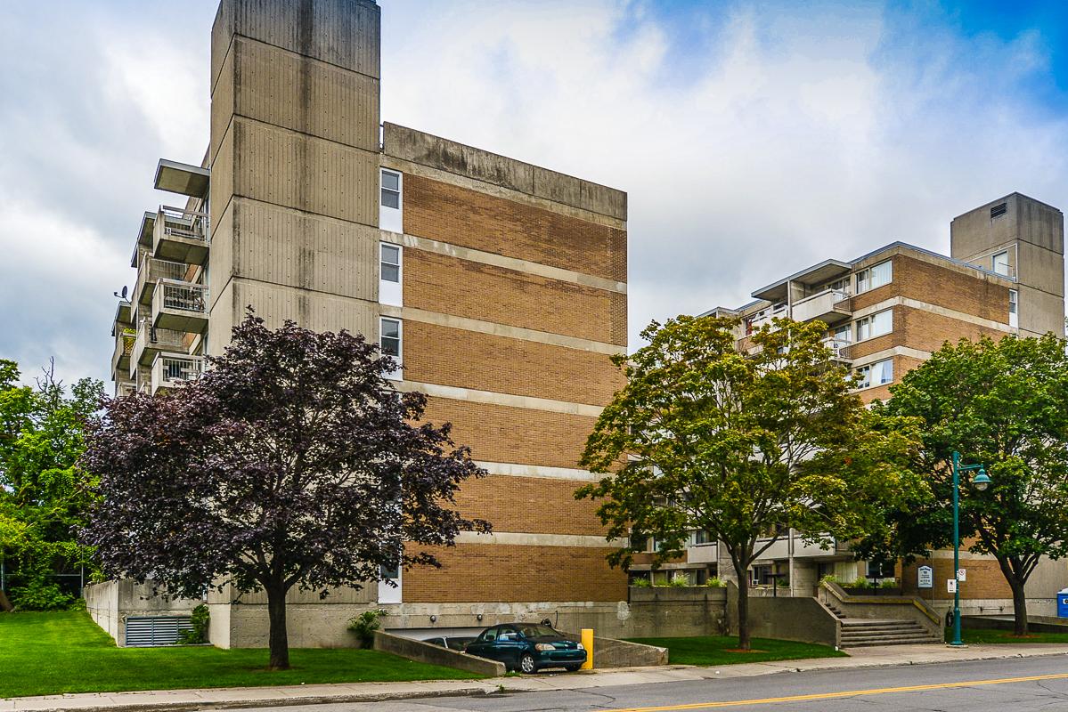Appartement Studio / Bachelor a louer à Dorval a Tours Dorval - Photo 02 - TrouveUnAppart – L5544