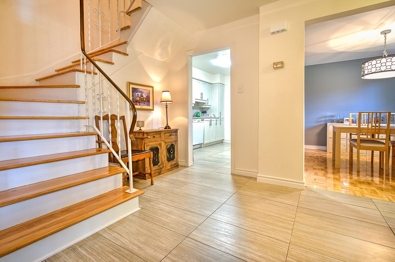 Maison de ville 3 Chambres a louer à Beaconsfield a Beacon Hill Villa - Photo 06 - TrouveUnAppart – L9367