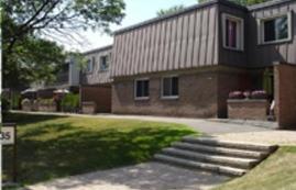 Maison de ville 3 Chambres a louer à Beaconsfield a Beacon Hill Villa - Photo 01 - TrouveUnAppart – L9367