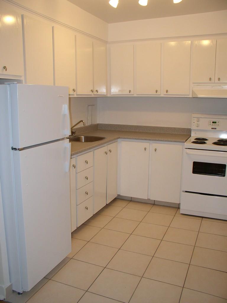 Appartement Studio / Bachelor a louer à Montréal (Centre-Ville) a Nouveau Colisee - Photo 02 - TrouveUnAppart – L23177
