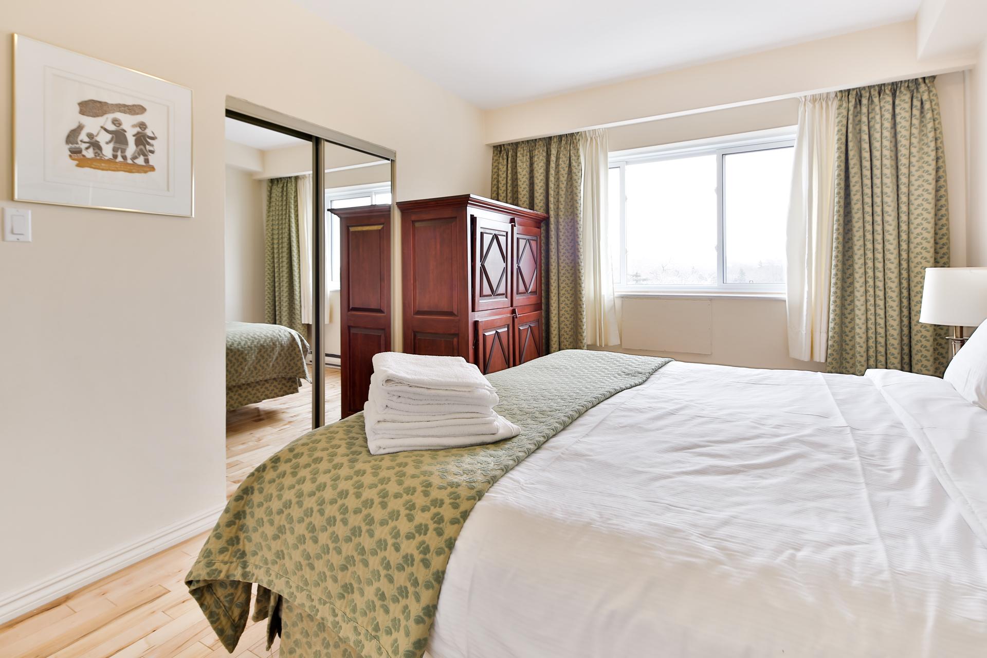 Appartement 2 Chambres meublé a louer à Ville Mont-Royal a Sunset Suites - Photo 05 - TrouveUnAppart – L3724