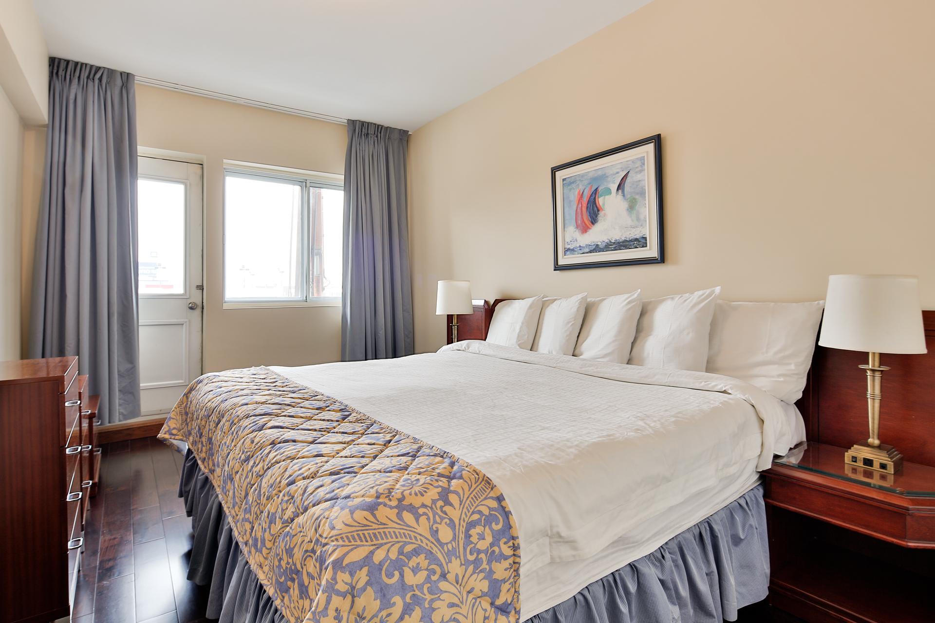 Appartement 2 Chambres meublé a louer à Ville Mont-Royal a Sunset Suites - Photo 07 - TrouveUnAppart – L3724