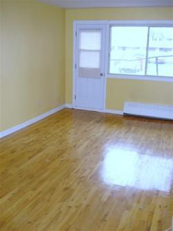 Appartement 1 Chambre a louer à St. Léonard a Parkview Realties - Photo 02 - TrouveUnAppart – L642