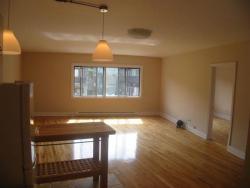 Appartement Studio / Bachelor a louer à Montréal (Centre-Ville) a 3687 Clark - Photo 02 - TrouveUnAppart – L6442