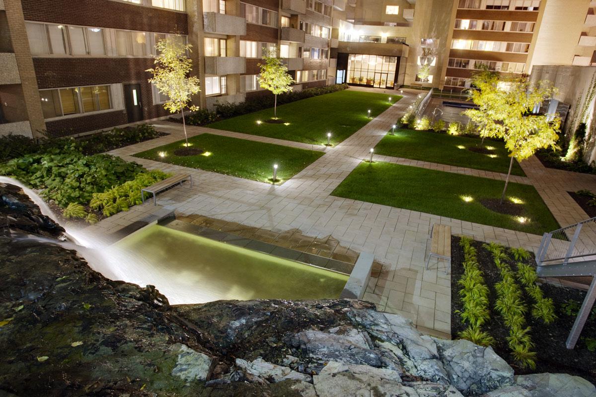 Appartement 2 Chambres de luxe a louer à Montréal (Centre-Ville) a Le Parc - Photo 02 - TrouveUnAppart – L1788