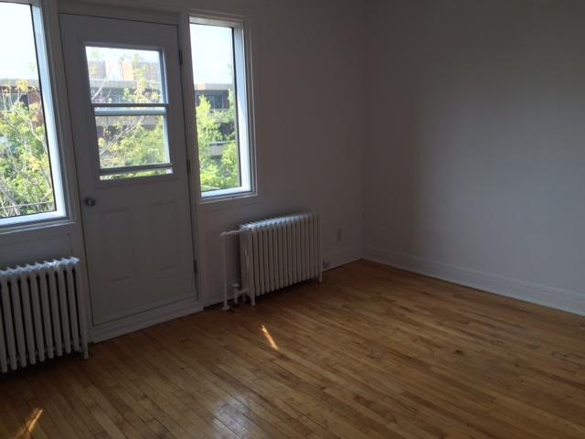 Appartement 1 Chambre a louer à Côte-des-Neiges a 5690 Gatineau et 3510 Cote-Ste-Catherine - Photo 02 - TrouveUnAppart – L191708