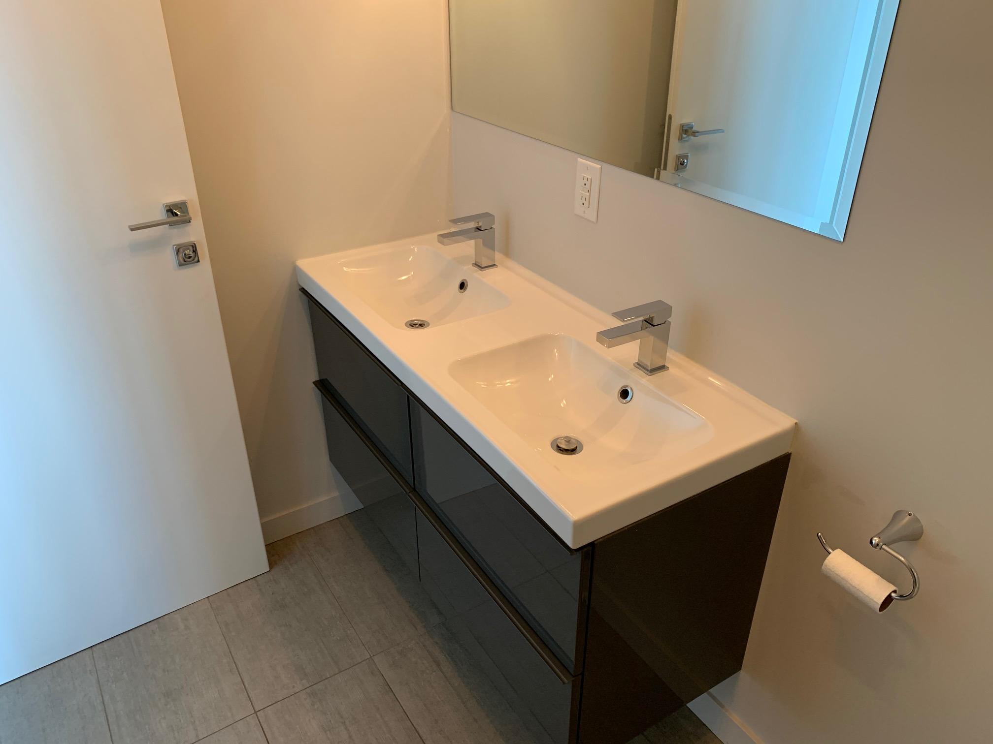Appartement 2 Chambres de luxe a louer à Montréal (Centre-Ville) a Le Rubic - Photo 01 - TrouveUnAppart – L405205