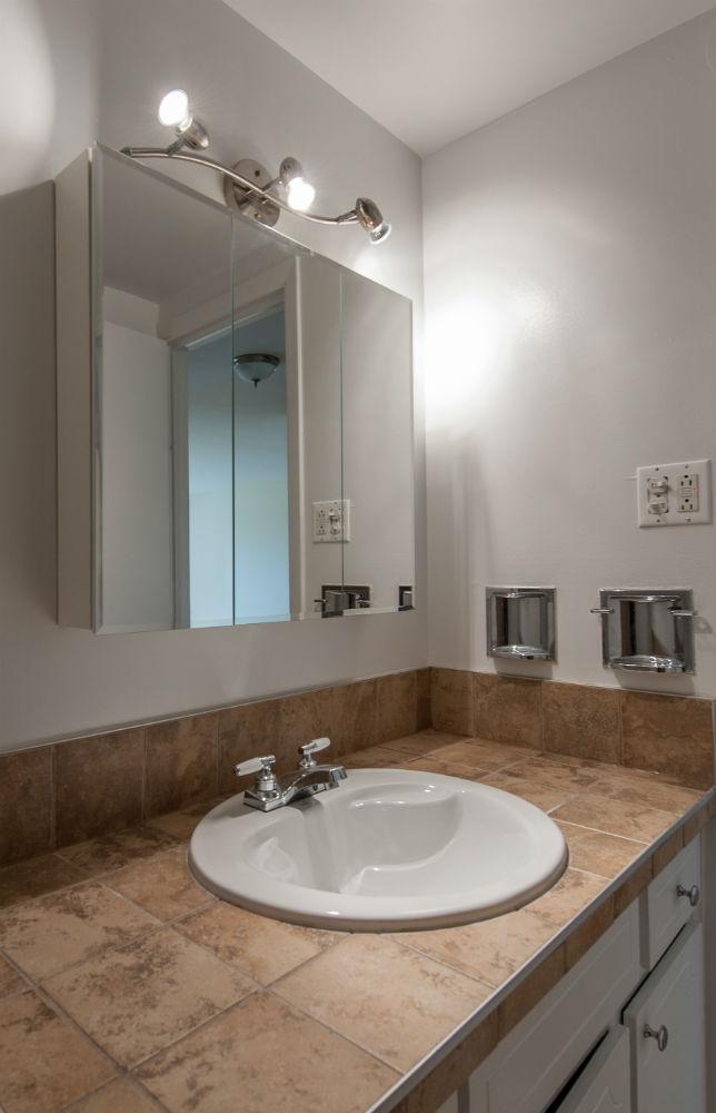 Appartement 2 Chambres a louer à Pierrefonds-Roxboro a Place Riviera - Photo 01 - TrouveUnAppart – L35796