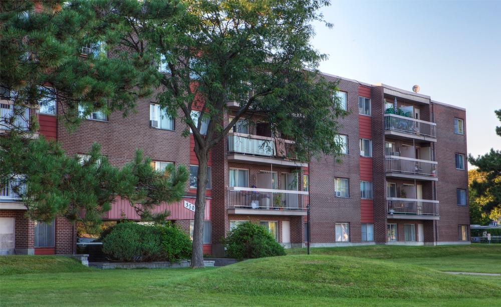 Appartement 3 Chambres a louer à Laval a Papineau Leblanc - Photo 01 - TrouveUnAppart – L9531